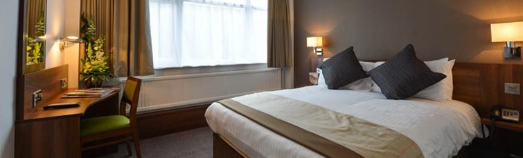 Room at the Cresta Court Hotel Manchester