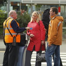 Luton airport parking the cheapest car parking from 450 a day luton meet and greet m4hsunfo